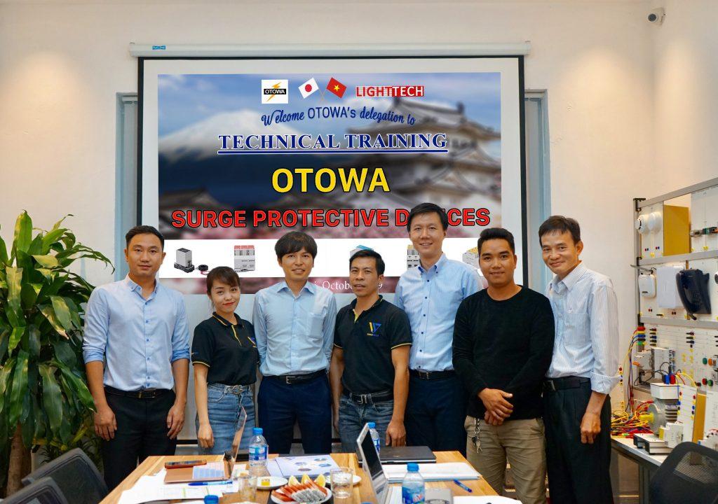 Khóa đào tạo kỹ thuật chuyên sâu về sản phẩm cắt sét OTOWA Nhật Bản